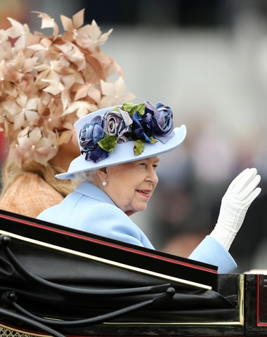 Přehlídka královských klobouků v Royal Ascot