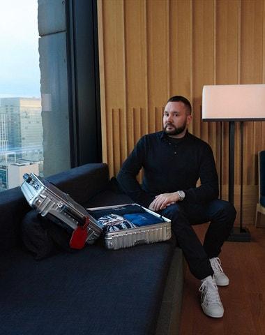 Kim Jones jde ve stopách Karla Lagerfelda a začíná navrhovat pro Fendi