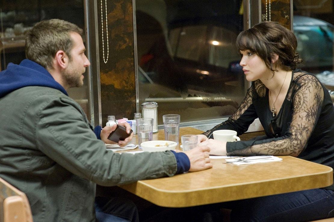 Jennifer Lawrence a Bradley Cooper ve filmu Terapie Láskou, 2012