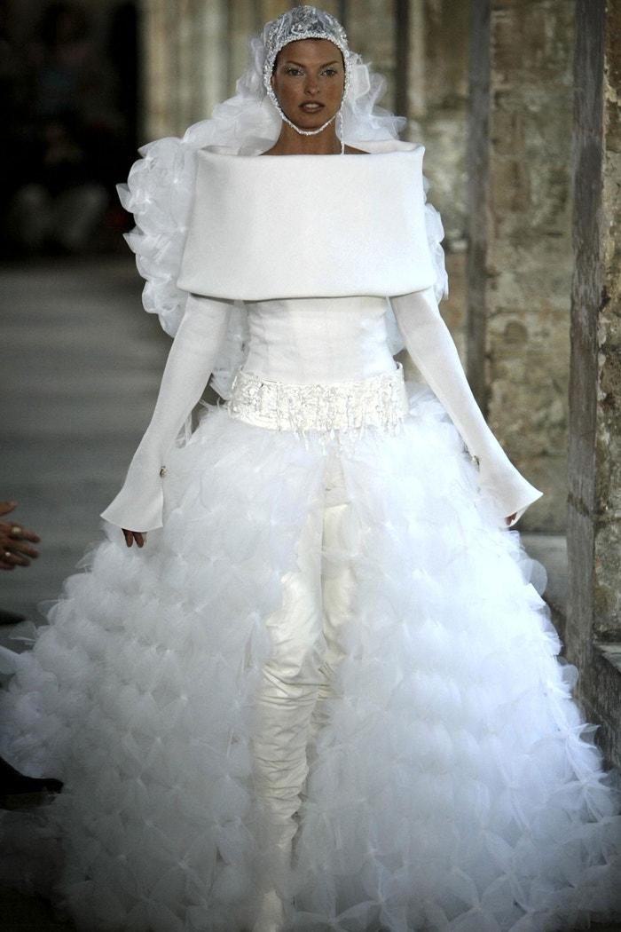 Linda Evangelista, Chanel couture 2003 Autor: Shutterstock