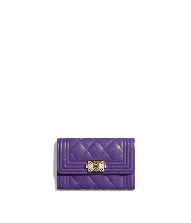 Pouzdro na vizitky a karty Boy, Chanel, prodává Chanel, 12 500 Kč