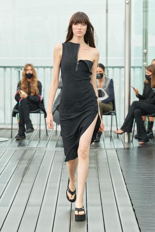 Černé šaty, COPERNI