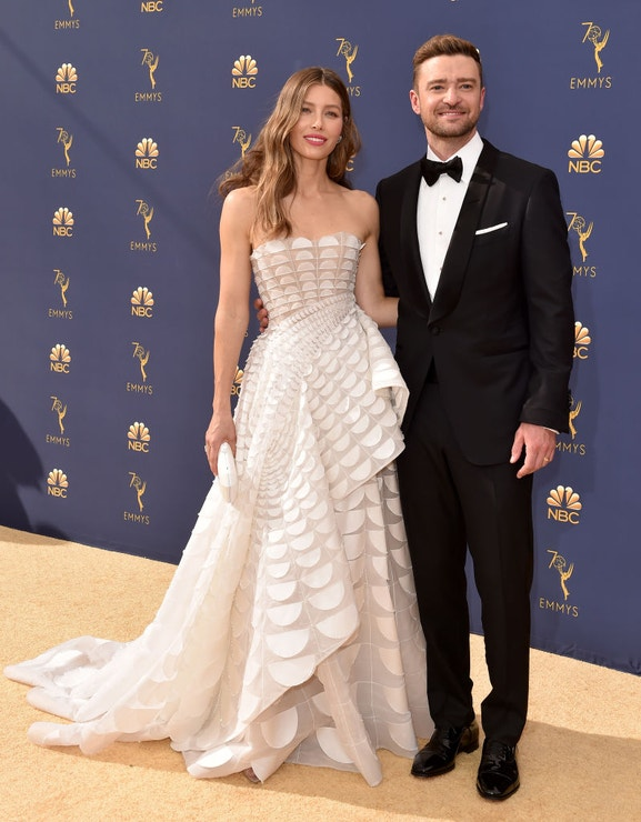 Jessica Biel v šatech Ralph&Russo Haute Couture a Justin Timberlake, EMMY Awards 2018