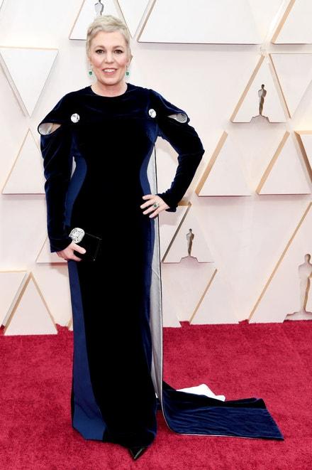Olivia Colman v šatech Stella McCartney