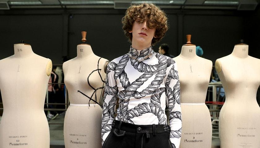 Plasty a skvrny od ropy.  London Fashion Week Men's nezapomněl na ekologii