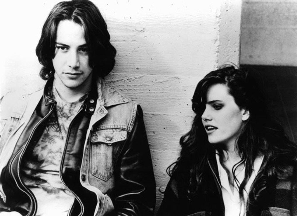 Keanu Reeves a Ione Skye při natáčení filmu Na břehu řeky, 1986