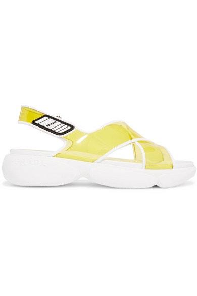 Plastové sandálky na platformě, Prada, prodává Net-a-Porter, 490 € Autor: Archiv značky