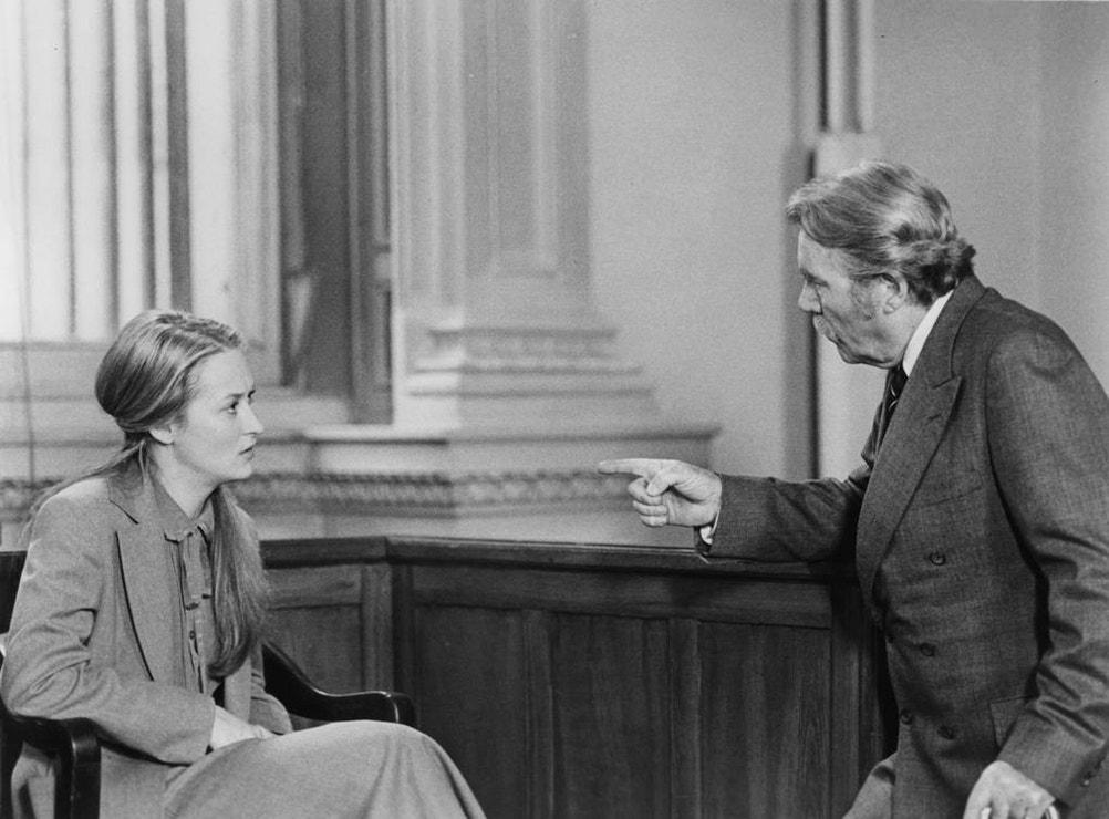 Kramerová versus Kramer: Film, který se nesleduje lehko, Meryl Streep proslavil. Klasický příběh manželky opouštějící muže i syna byl překvapivě úspěšný a stal se kasovním trhákem roku 1979. Mluvilo se o něm všude a Meryl předvedla lehkost, s jakou později ještě hrála mnoho postav, které nebyly právě sympatické.