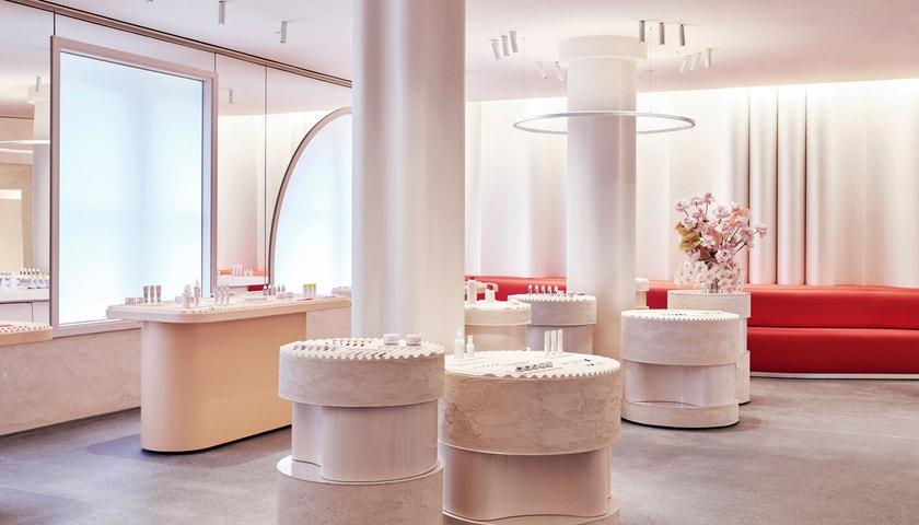 Kam jezdí nakupovat kosmetiku beauty editor Vogue?
