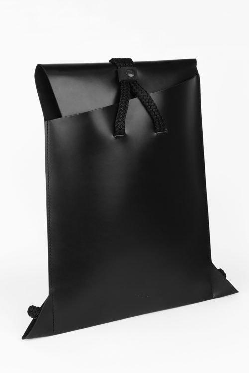 Kožený batoh, PBG, 5 200 Kč
