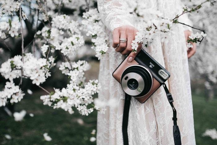 Polaroid nebo Instax si můžete zdarma zapůjčit. Stačí jen zakoupit filmy a pak už jen tvořit.