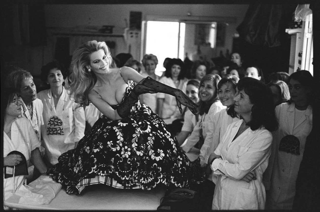 Claudia Schiffer v Maison Valentino