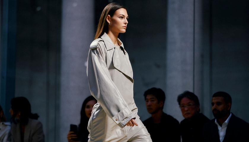 Proč se Bottega Veneta stala nejmedializovanější značkou uplynulého roku