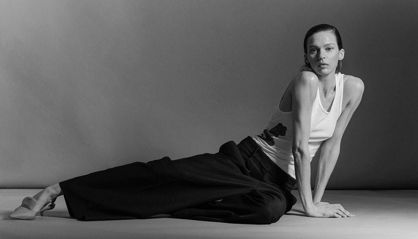 Na pár slov s dubnovou cover star Élise Crombez