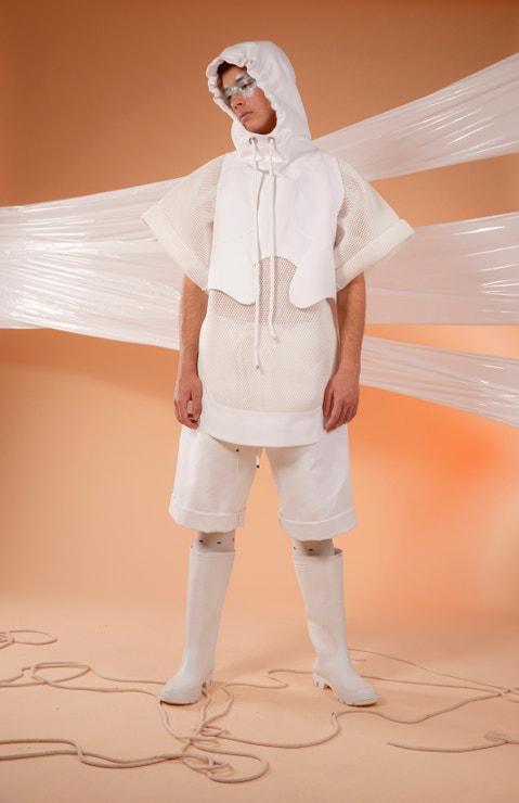 Kolekce Sonder Eduarda Ganoczyho (modelové: Daniela a Vojtěch Michalovi, make-up: Diana Vitikačová, maska: Kateřina Hynková)