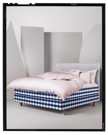 Kontinentální postel Eala pro zákazníky s velmi vysokými nároky na komfort spánku. Hästens, prodává Hästens