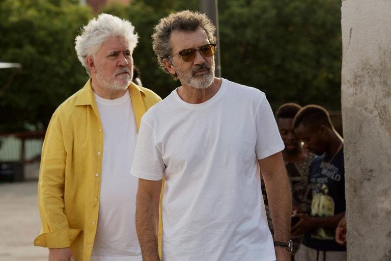 Pedro Almodóvar a Antonio Banderas ve filmu Bolest a sláva