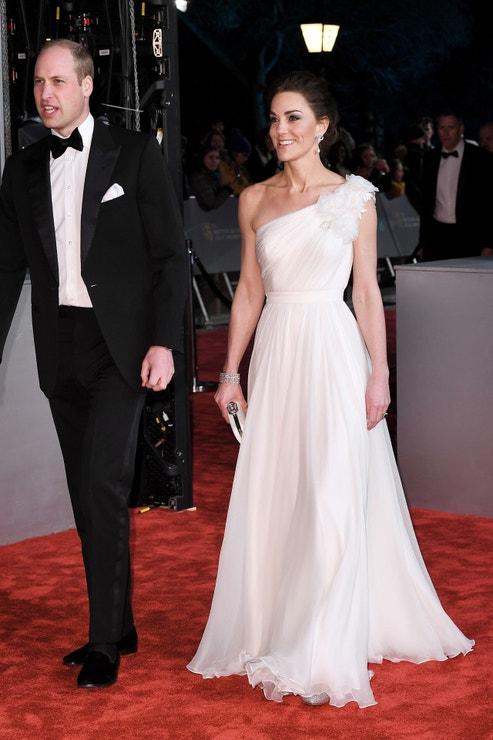 Vévodkyně z Cambridge v šatech Alexander McQueen a princ William