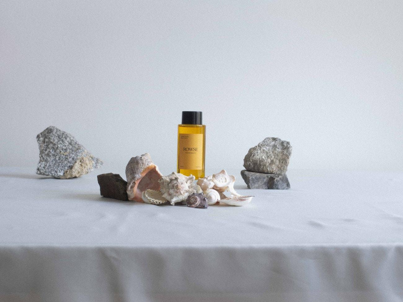 Tělový olej Summer Body Oil, ROWSE, prodává Rowse, 42 €