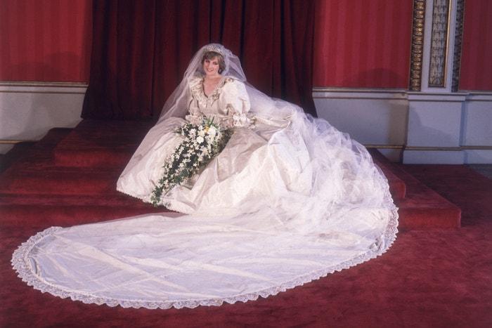 Princezna Diana, šaty David and Elizabeth Emmanuel