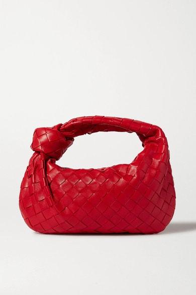 Kožená kabelka do ruky, * Bottega Veneta*, prodává Net-a-Porter, 1350 €