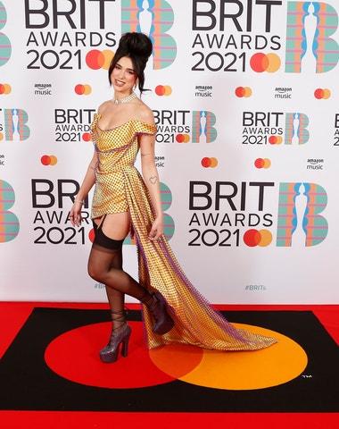 Brit Awards ovládla Dua Lipa