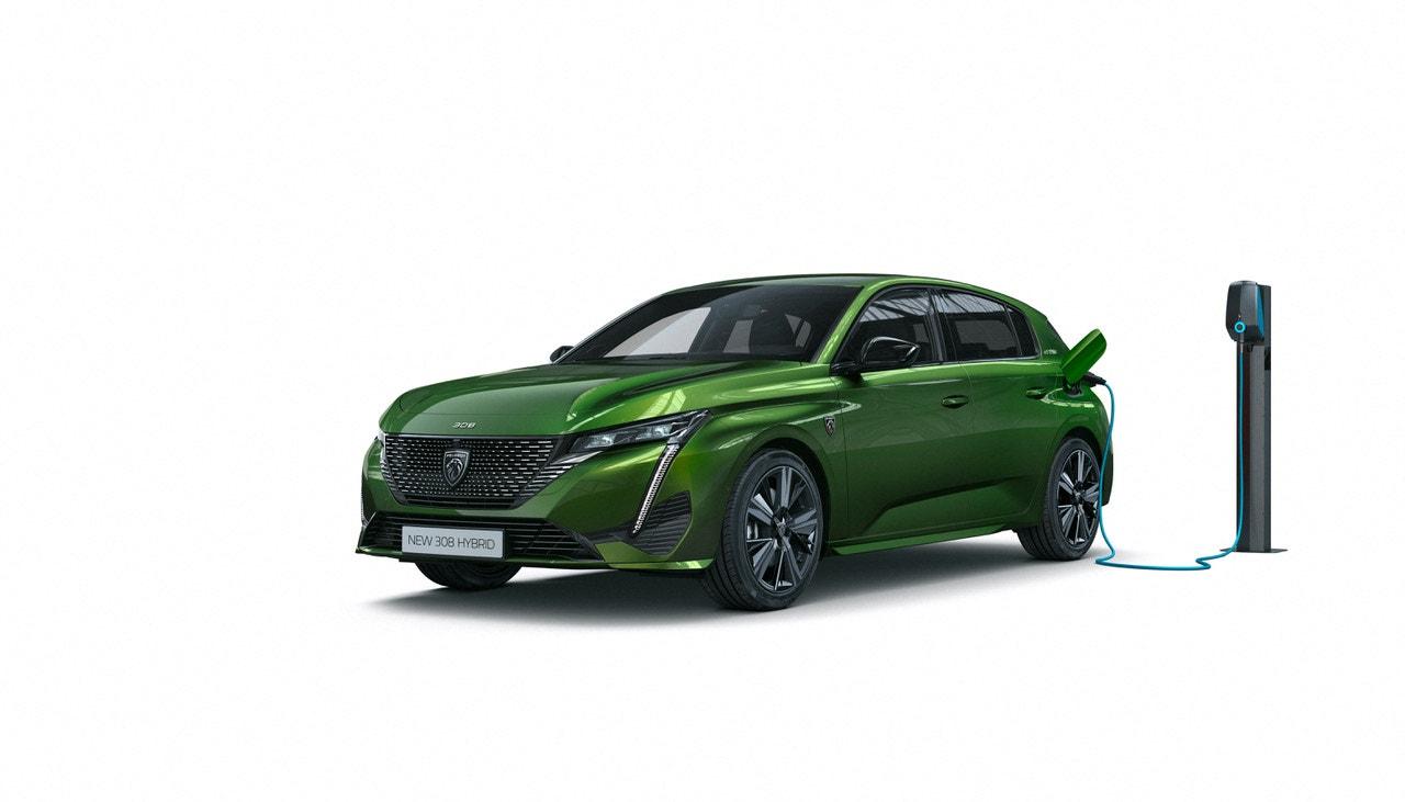Dobíjecí hybrid vám dá mnohem víc než jen parkování zdarma na modrých zónách. Ušetříte palivo a příroda vám poděkuje. Peugeot 308 Hybrid si vystačí s 1,2 litrem benzinu na 100 kilometrů a emituje jen 24 g CO 2 /km. Peugeot, prodává Peugeot, #voguepromotion