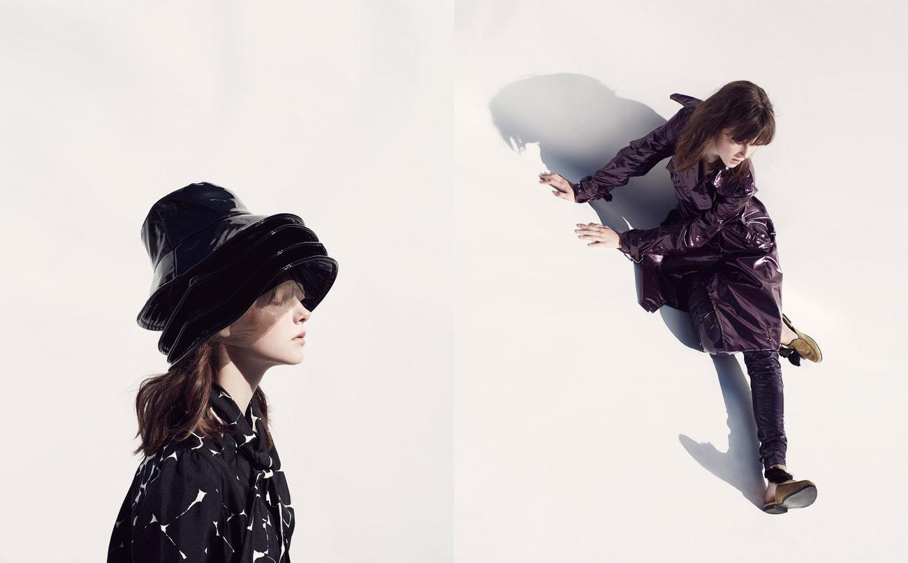 Vlevo: košile, Yves Saint Laurent (prodává Jofré); klobouk, Outsider Division.  Vpravo: kabát, kalhoty, obojí Marc Jacobs (prodává Jofré); boty, Mila Milú.