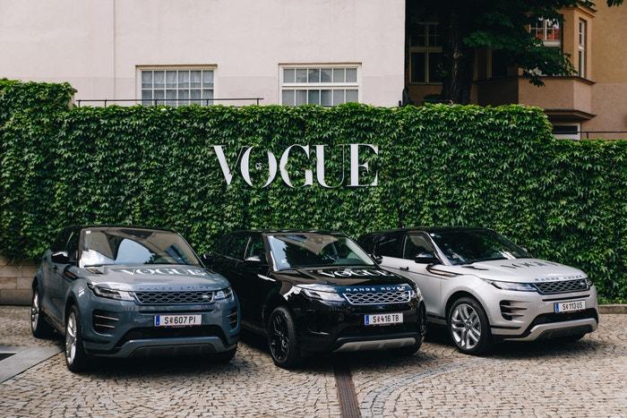 O pohodlnou dopravu hostů z Mandarin Oriental se postaraly dokonale komfortní SUV Range Rover. Autor: Ivan Kašša