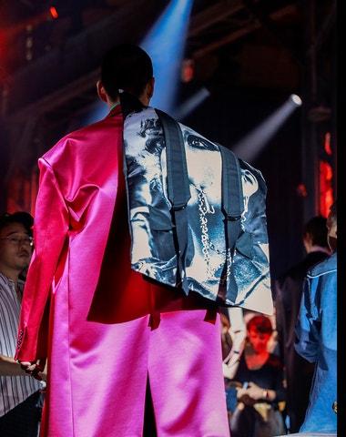 Batoh – další Líza Doolittlová světa módy