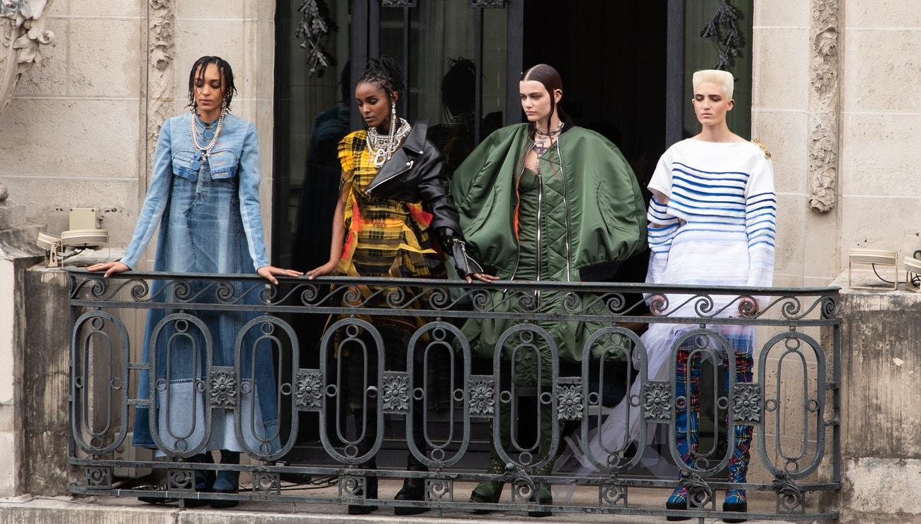 Gaultier podle Sacai: Remix pro módní nadšence a sběratele
