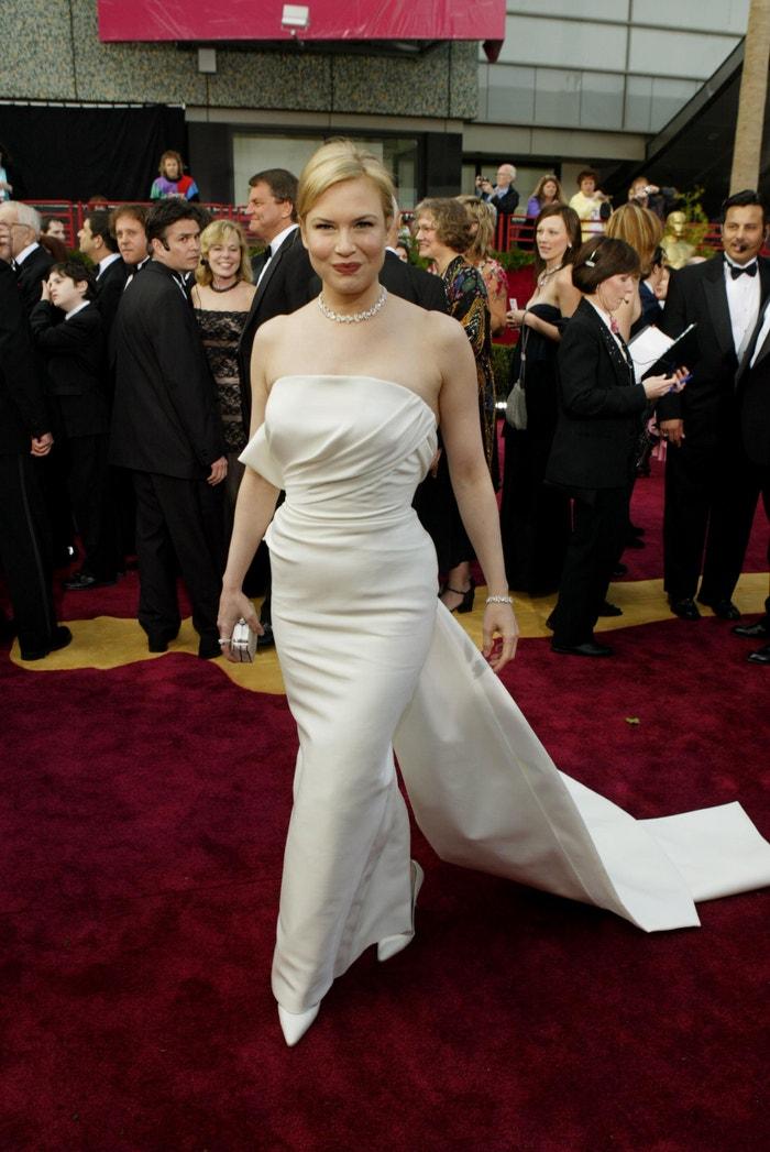 Renée Zellweger na udílení Oscarů, 2004  Autor: Getty Images