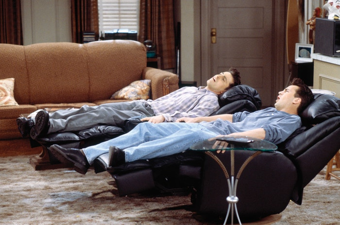 Matt LeBlanc jako Joey Tribbiani a Matthew Perry jako Chandler Bing v seriálu Přátelé