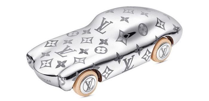 Těžítko Voguez Volez Voyagez, LOUIS VUITTON, 1410 €