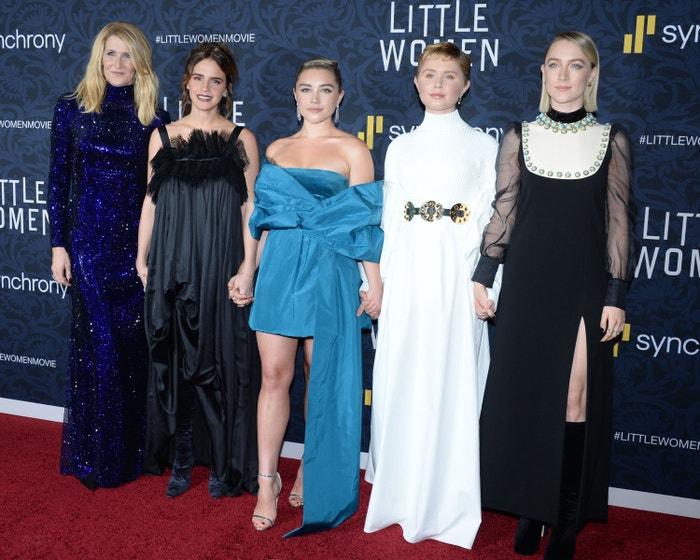 Pět hlavních ženských postav na světové premiéře filmu Malé ženy v New Yorku.