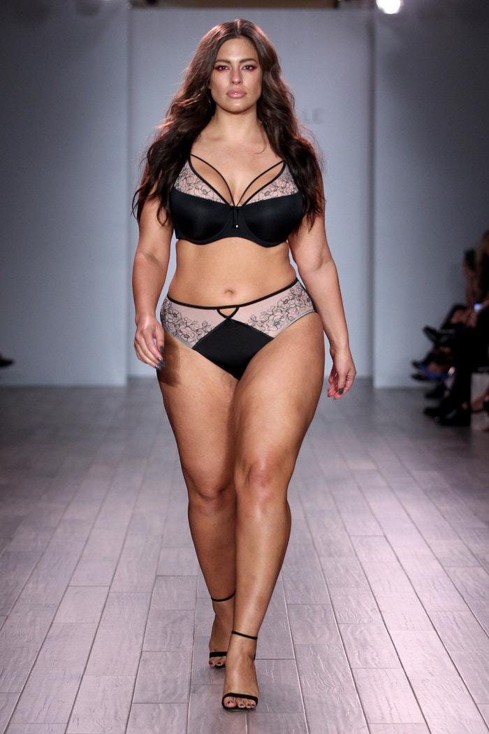 Ashley Graham a její Lingerie Collection, New York Fashion Week. Rok 2016 Autor: Getty Images