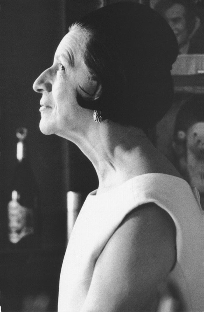 Diana Vreeland ve své kanceláři roku 1966