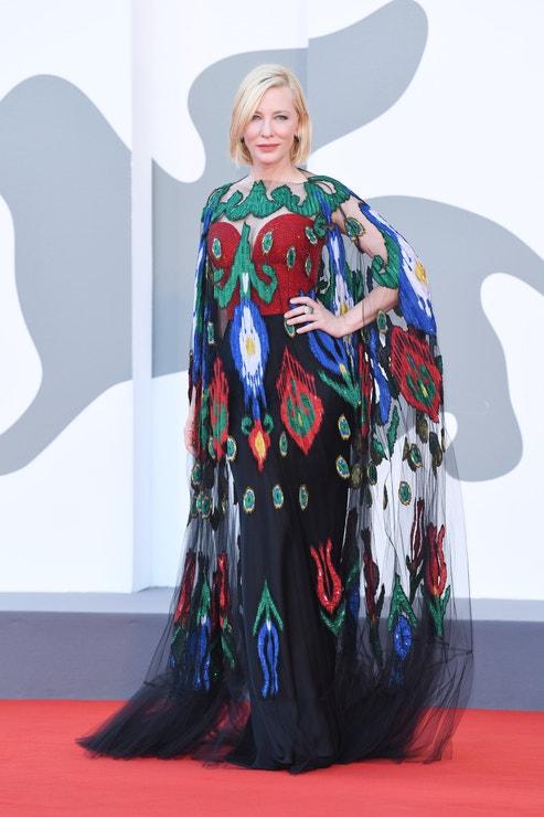 Cate Blanchett v šatech Armani Privé SS20 Couture