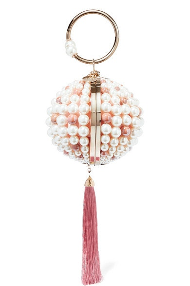 Kabelka do ruky zdobená perlami a střapcem, Rosantica, prodává Net-A-Porter, 992 €