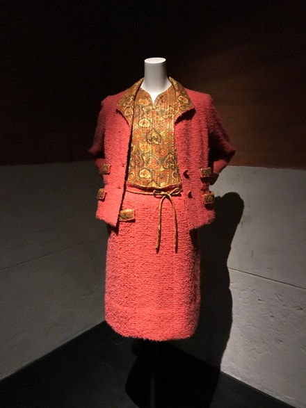 Tvídový kostým Chanel podzim–zima 1961/1962