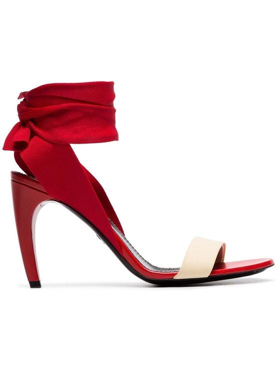 Červené sandálky s tělovým páskem, Proenza Schouler, prodává Farfetch.com, 520 €