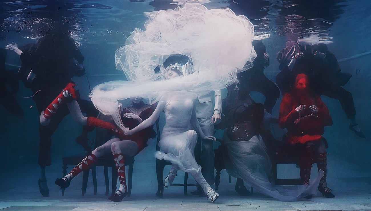 John Galliano: Pořádat v této době módní přehlídku je zvláštní