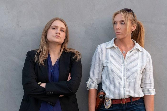Unbelievable (od 13. září): Po úspěchu When They See Us od Avy DuVernay, Netflix nabízí další skutečný příběh o zločinu, který vrhá světlo na současné předsudky. Unbelievable líčí oběť znásilnění (Kaitlyn Dever), které policie nevěří a později případ dokonce úplně odloží. Dvě policistky (Toni Collette a Merritt Wever) zatím vyšetřují sérii útoků, což je dovede k překvapivému závěru. Na základě článku nazvaného An Unbelievable Story of Rape, který v roce 2016 získal Pulitzerovu cenu, tato minisérie odhaluje traumata, stud a veřejný odsudek. Autor: Beth Dubber/Netflix