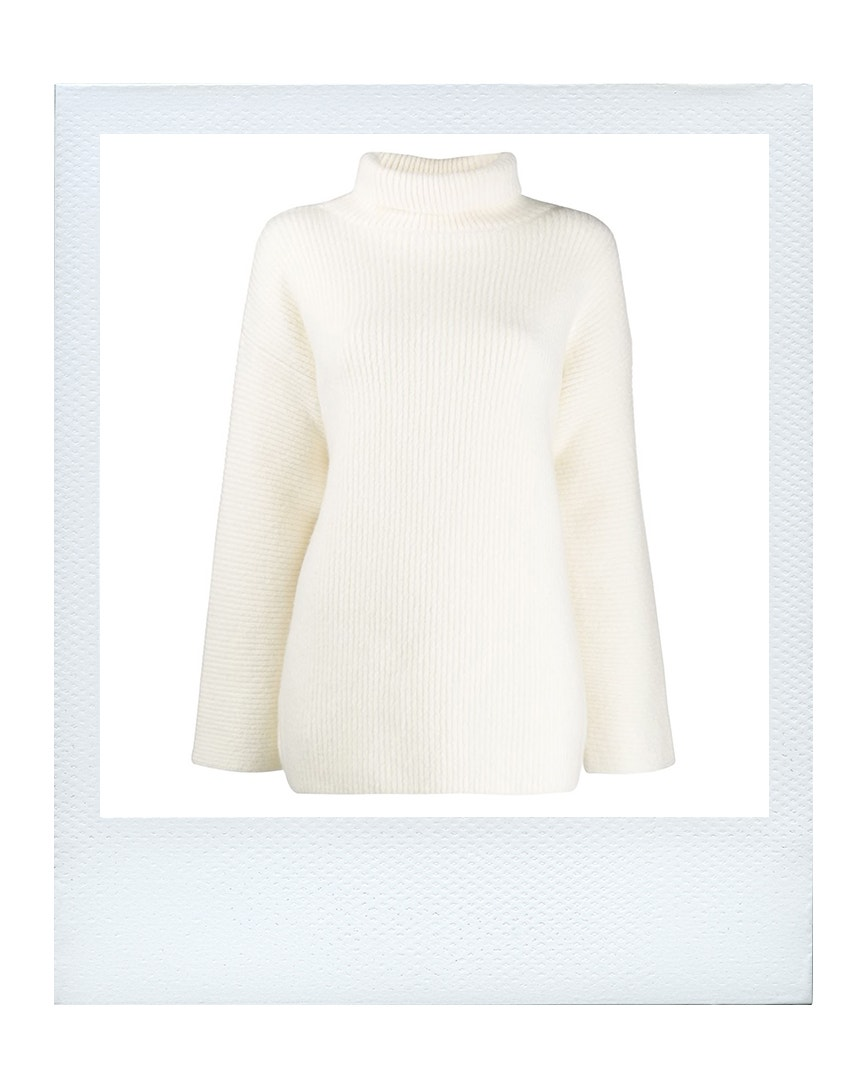 Oversize svetr, Jacquemus  prodává Farfetch, 353 €