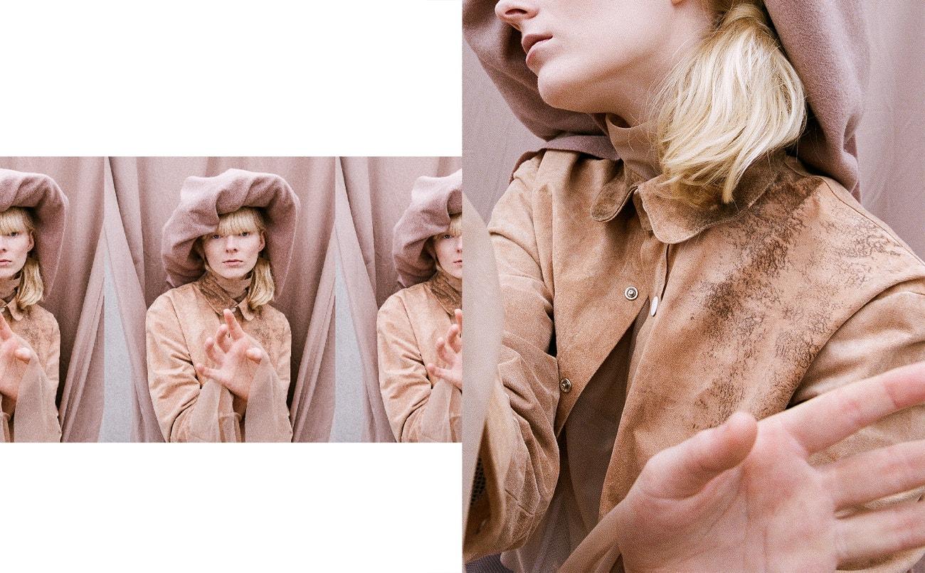 Košile, Larissa Falk; šála, COS; klobouk, rolák, obojí Jennifer Milleder.