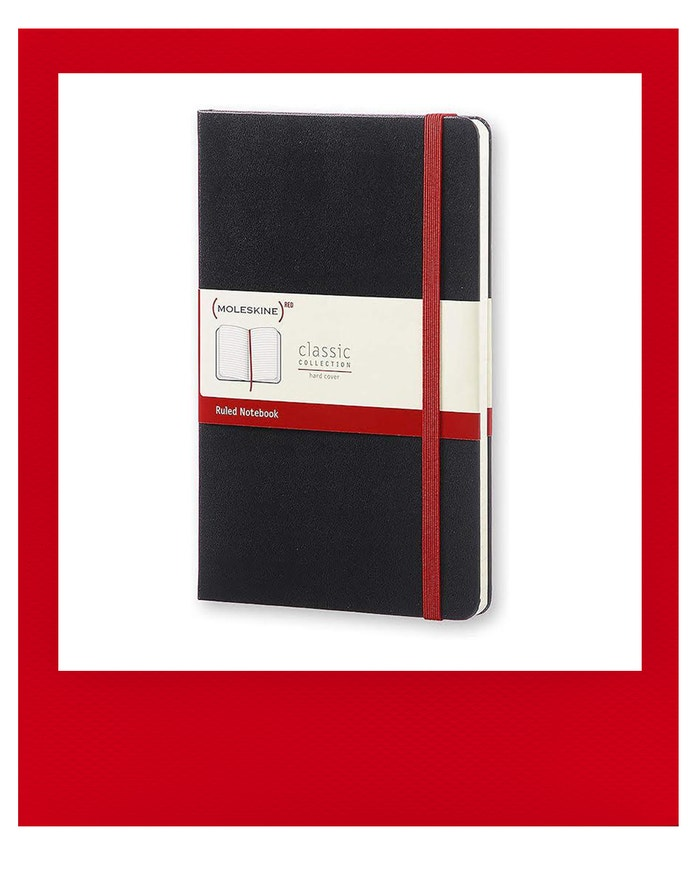 Zápisník (PRODUCT) RED Classic, MOLESKIN, prodává Amazon.com, 15 €
