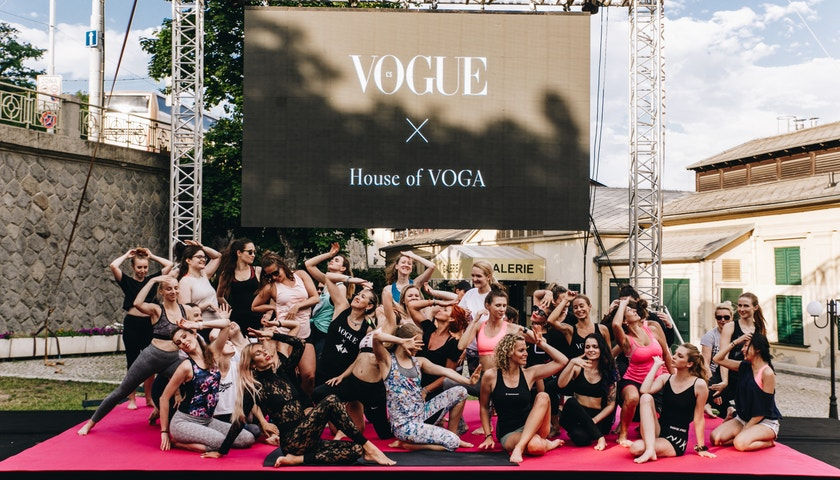 Strike a pose! Letní voga v Praze