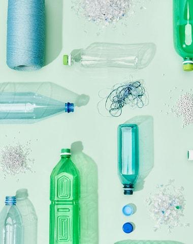 Jak udržitelné je oblečení z recyklovaného plastu?