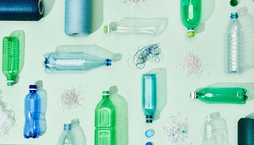 Sklo, nebo plast?