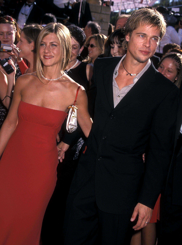 Jennifer Aniston a Brad Pitt na předávání cen Emmy v roce 2000 Autor: Ron Galella, Ltd./Ron Galella Collection via Getty Images